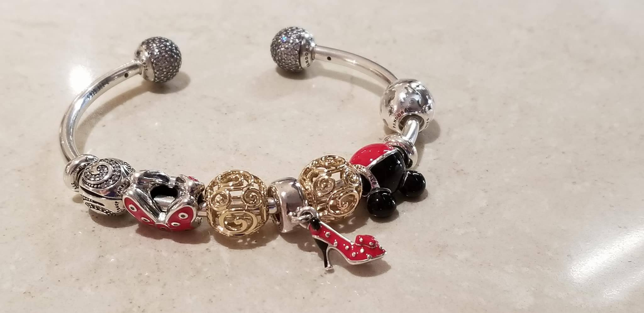 The 2017 Fall Winter Disney Park Exclusive Pandora Charms