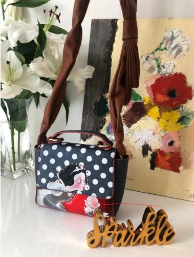 Danielle Nicole Snow White and Dopey Bag