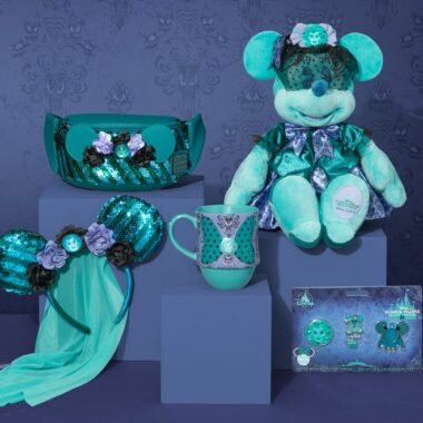 Haunted Mansion Minnie The Main Attraction Collection