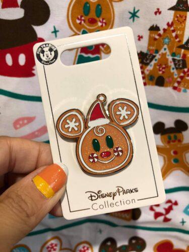 Disney Christmas pin