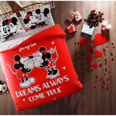Mickey And Minnie Valentine Bedding