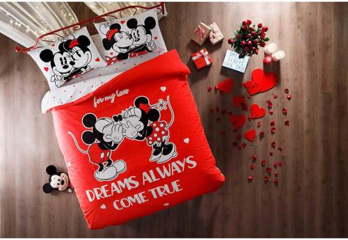 Mickey And Minnie Valentine Bedding