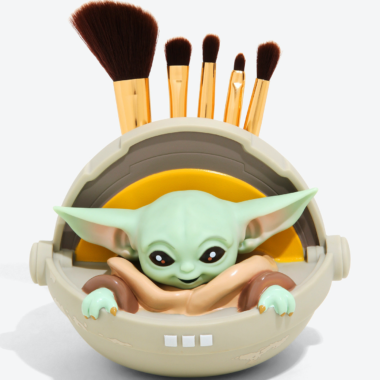 The Child Makeup Brush Holder