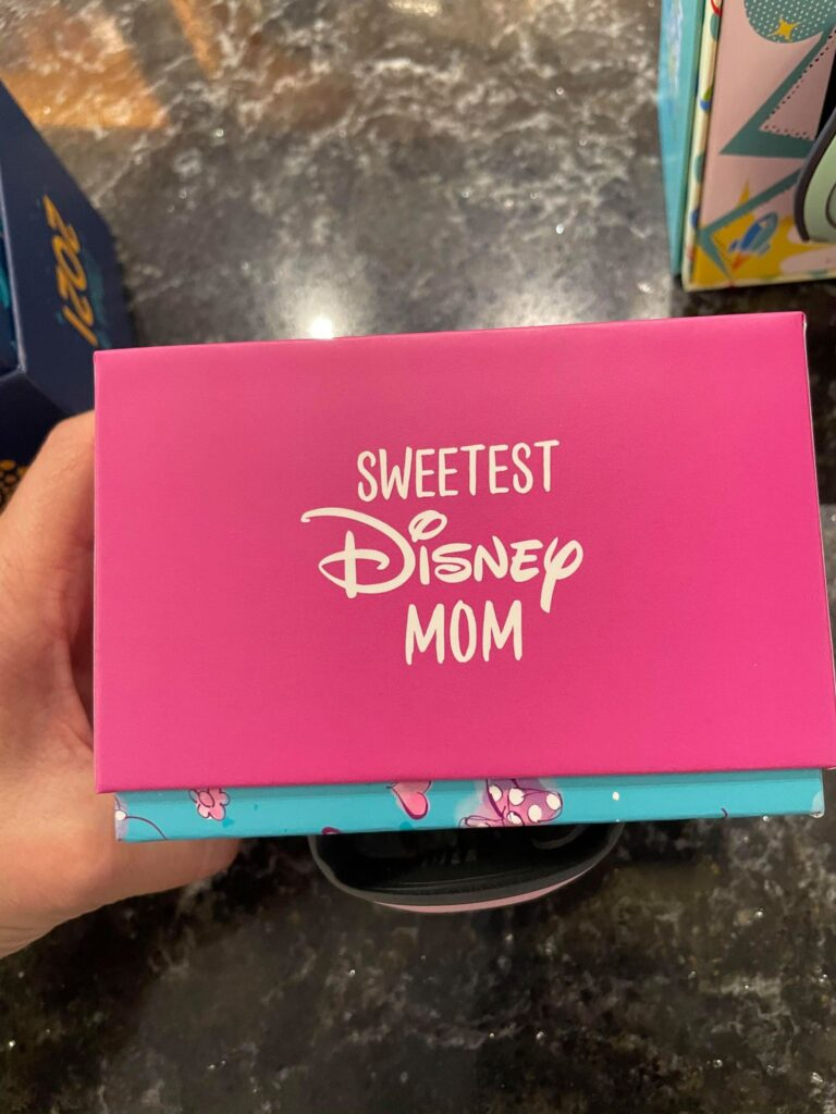 Limited Edition Sweetest Disney Mom MagicBand
